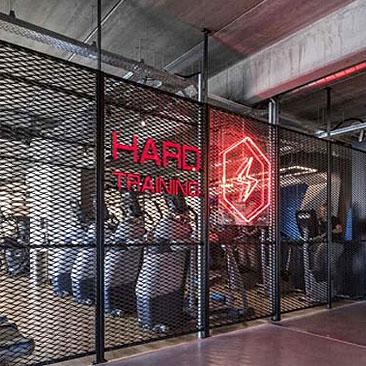 工业风格健身房设计 氛围营造