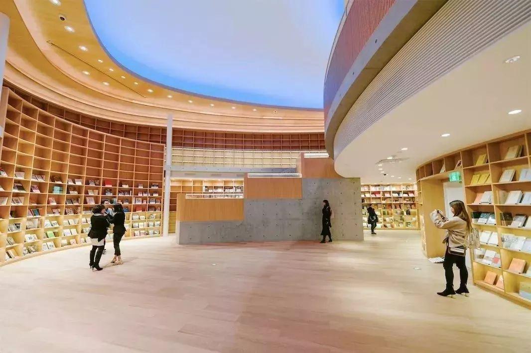 【商业设计关注】这32家书店,让我们看到了实体商业的希望